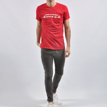 REMERA THE BEAT RED