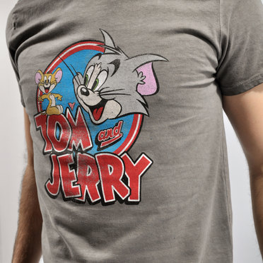 REMERA TOM & JERRY GREY